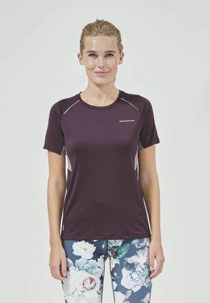 WINOLA - Print T-shirt - purple grape