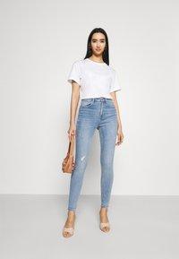 Vero Moda - VMSOPHIA - Jeans Skinny Fit - light blue denim - 1
