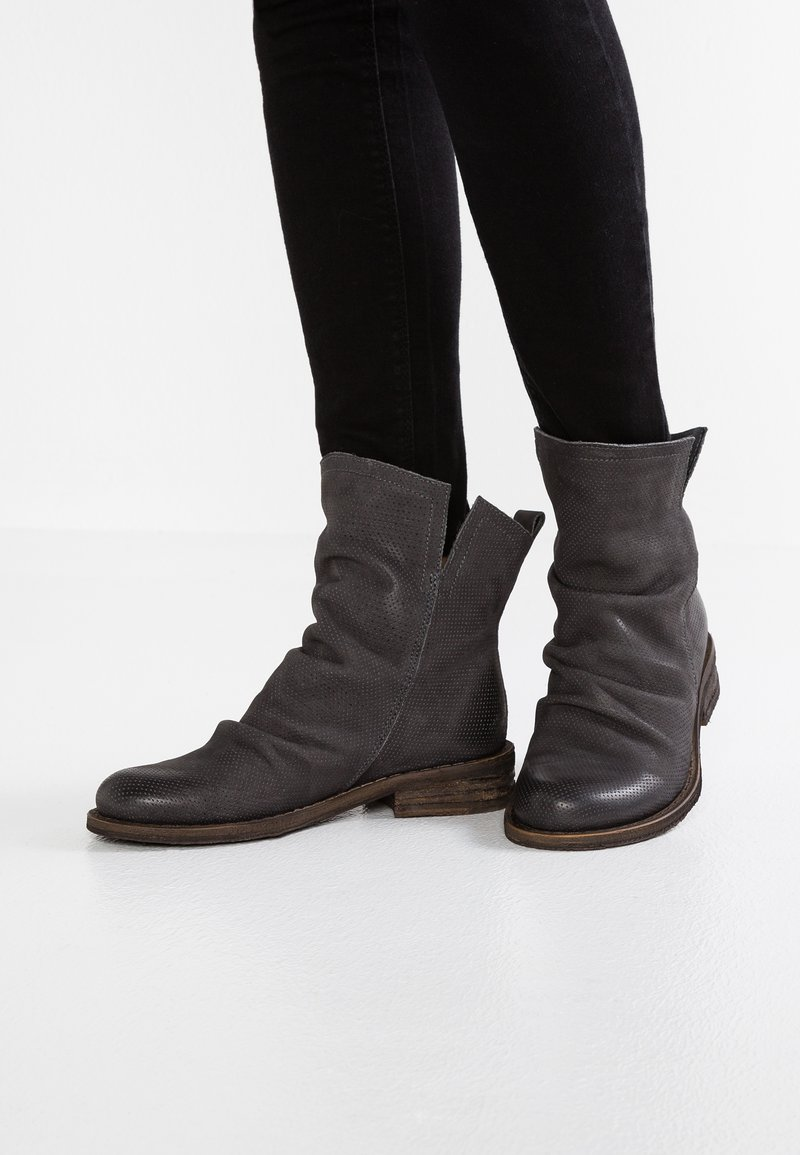 Felmini - GREDO - Classic ankle boots - under