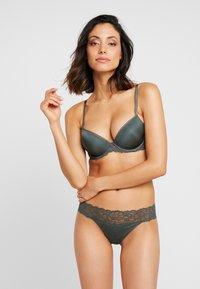 Calvin Klein Underwear - COMFORT LIFT - Push-up BH - mountain ash - 1