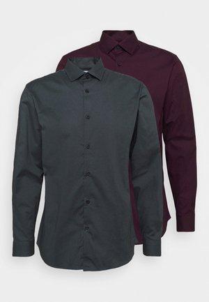SLHSLIMBROOKLYN SHIRT 2 PACK - Kostymskjorta - winetasting/dark grey