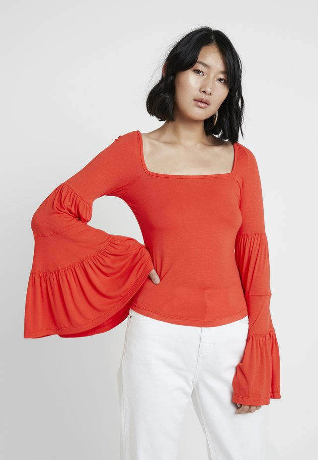 BABETOWN - Långärmad tröja - red