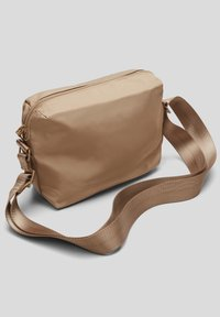 s.Oliver - Across body bag - beige - 5