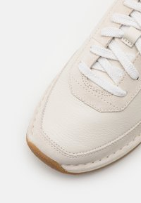 Clarks - CRAFTRUN LACE - Trainers - white - 5