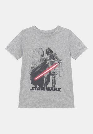 JCOGALAXY TEE CREW NECK JR STAR WARS - Print T-shirt - light grey melange