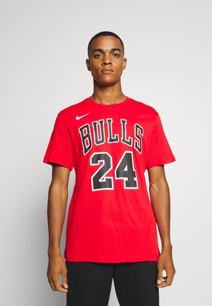 NBA CHICAGO BULLS LAURI MARKKANEN NAME AND NUMBER TEE - Triko s potiskem - university red