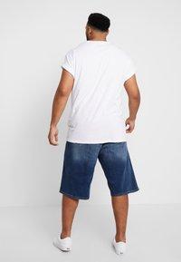 s.Oliver - Jeans Short / cowboy shorts - blue denim stretch - 2