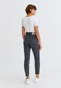 PULL&BEAR - Jeans Relaxed Fit - light grey - 2