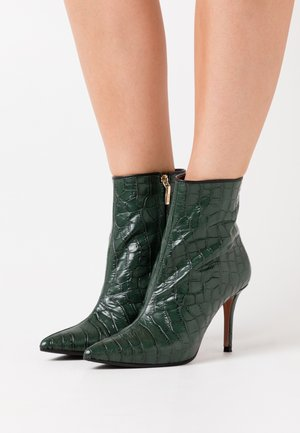 LUISA - High heeled ankle boots - green