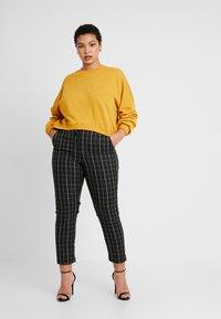 Cotton On Curve - HARPER CREW CROP - Sweatshirt - cocoon - 1