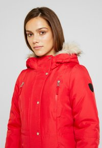 Vero Moda Petite - VMTRACK EXPEDITION - Parka - chinese red - 4
