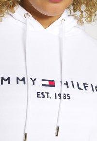 Tommy Hilfiger Curve - REGULAR HOODIE  - Hoodie - white - 5