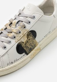 MOA - Master of Arts - GRANMASTER - Trainers - white - 4