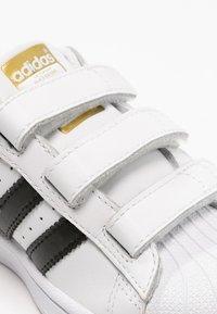 adidas Originals - SUPERSTAR FOUNDATION - Sneakers basse - white - 5