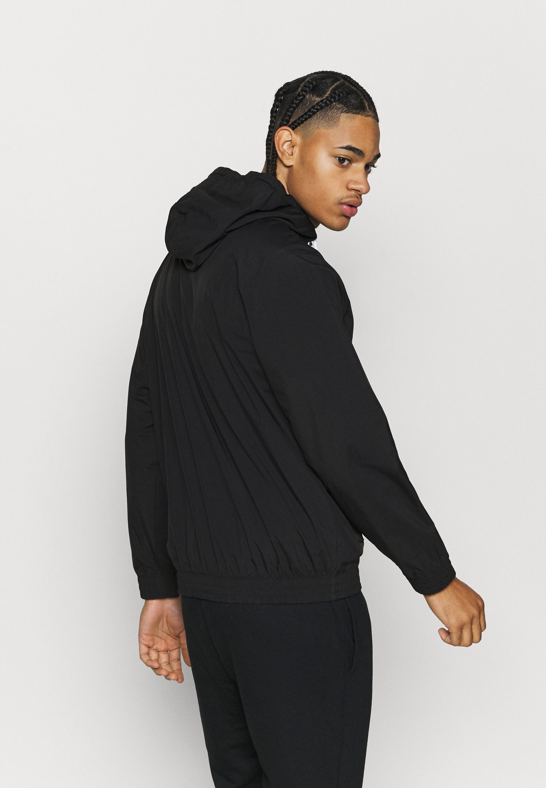 LEGACY Windbreaker black