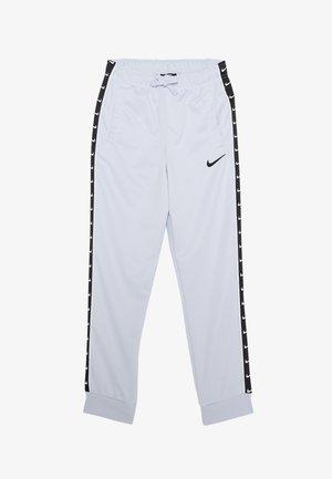 TAPE - Teplákové kalhoty - football grey
