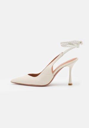 ALENA - Zapatos de salón con cordones - milk