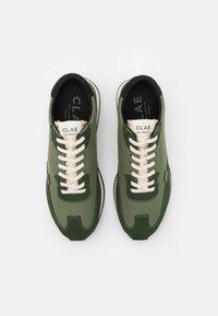 Clae - RUNYON - Sneakersy niskie - bronze green - 3