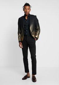 Twisted Tailor - THESEUS JACKET - Blazere - gold - 1