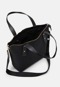PARFOIS - SHOPPER BAG NEIL SET - Velká kabelka - black - 2