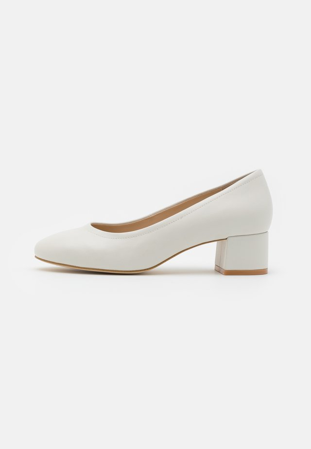 LEATHER COMFORT - Pumps - white