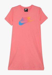 Nike Sportswear - DRESS FUTURA - Vestito di maglina - pink gaze - 0