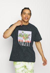 Vintage Supply - VASE PRINT TEE - Camiseta estampada - black - 0
