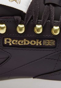 Reebok Classic - CLASSIC LEATHER SHOES - Trainers - red - 10