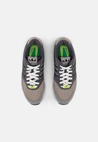 adidas Originals - ZX 1000  - Joggesko - feather grey/grey three/crystal white - 3