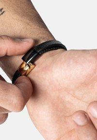 SERASAR - Bracelet - schwarz gold - 1