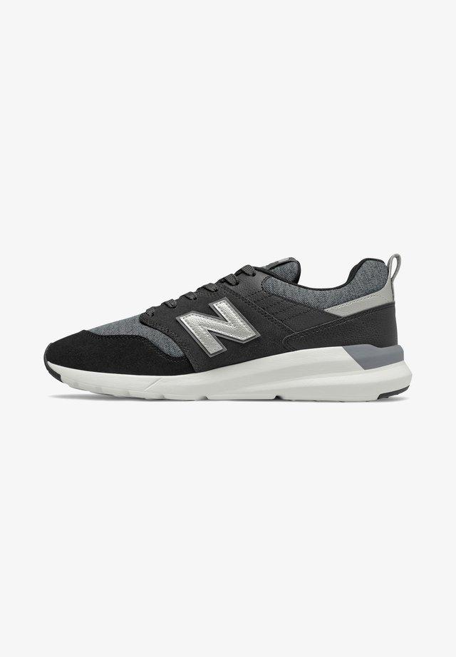 Sneakers laag - black/silver