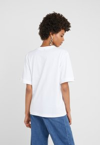 Mother of Pearl - CHARLIE - Print T-shirt - white - 2