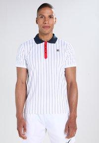 Fila - STRIPES - Funkční triko - white/peacot blue/red - 0