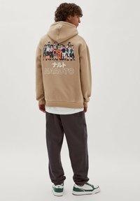 PULL&BEAR - NARUTO - Sweatshirt - mottled beige - 2