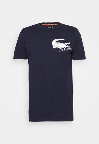 LOGO - T-shirt med print - navy blue/white