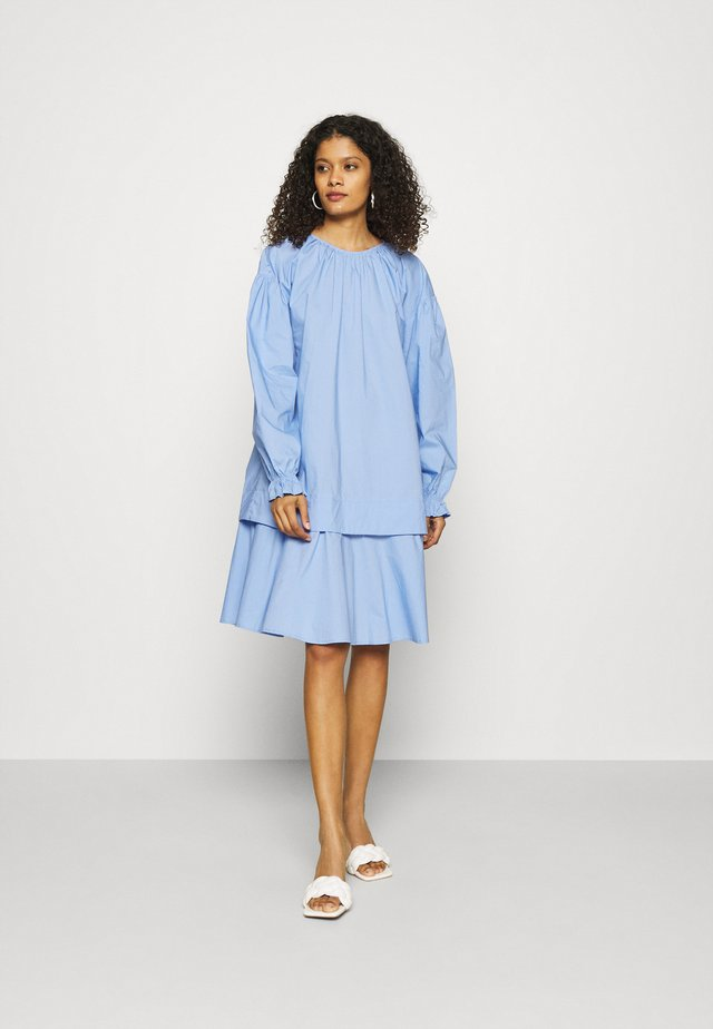 DEE DRESS - Denní šaty - dove