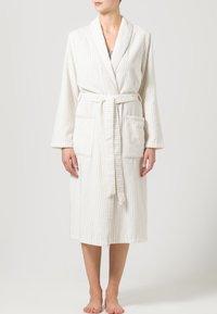 CAWÖ - CARRERA - Dressing gown - weiß/beige - 1