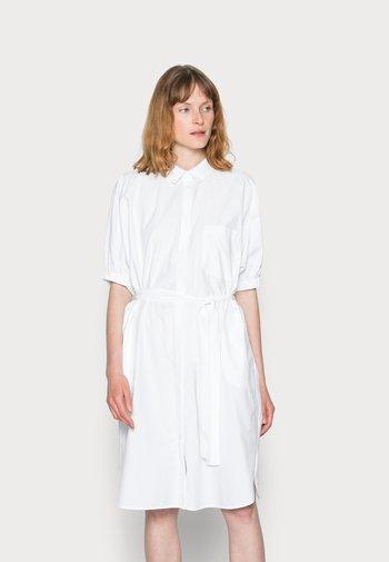 NETTI - Abito a camicia - white