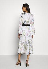 We are Kindred - ELOISE BUTTON THROUGH DRESS - Košilové šaty - ecru delphinum - 2