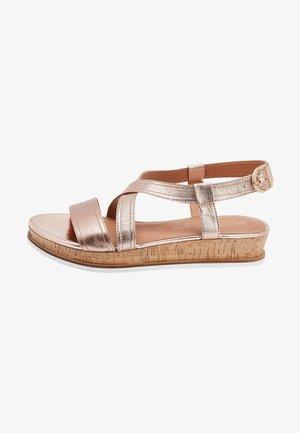 Sandalen met sleehak - pink