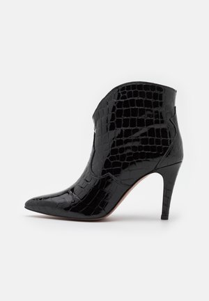 Kotníková obuv na vysokém podpatku - algarve