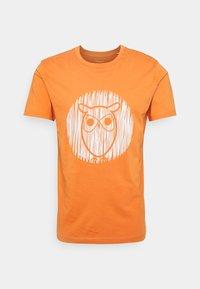 KnowledgeCotton Apparel - ALDER OUTLINE TEE - T-shirt med print - abricut buff - 0