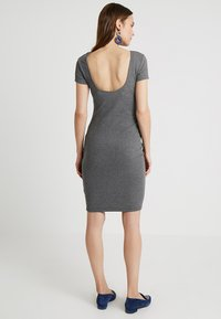 Zalando Essentials Maternity - Etuikjoler - dark grey mélange - 2