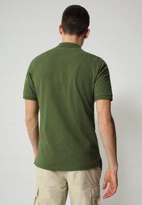 Napapijri - E-ICE - Polo shirt - green cypress - 1