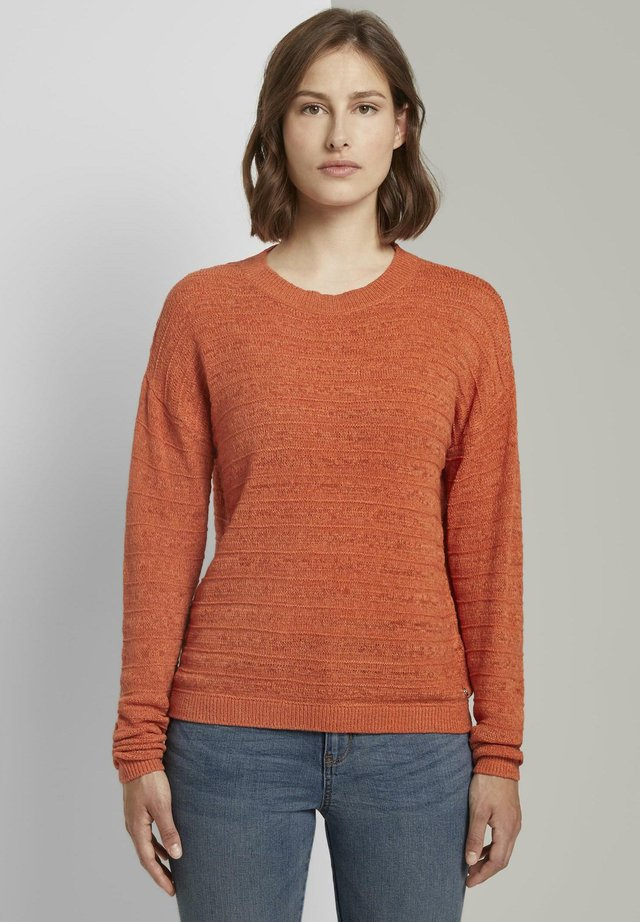 STRUCTURED - Neule - burnt coral