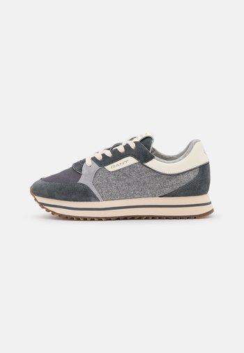 BEVINDA - Trainers - steel gray
