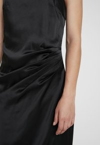 Nly by Nelly - STRAPPY DETAIL GOWN - Robe de cocktail - black - 6
