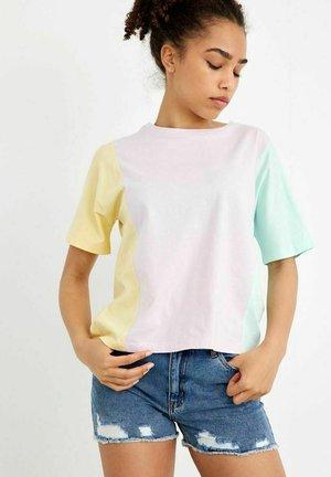 Print T-shirt - lilac snow