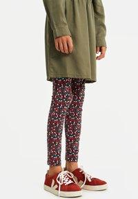WE Fashion - MET BLOEMENPRINT - Leggings - Trousers - multi-coloured - 1
