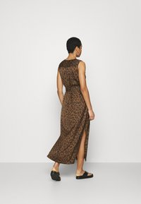 Banana Republic - UTILITY MAXI SHIRTDRESS - Day dress - black - 2